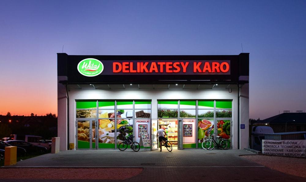 Delikatesy Karo: reklama podświetlana zewnętrzna i oklejanie witryn